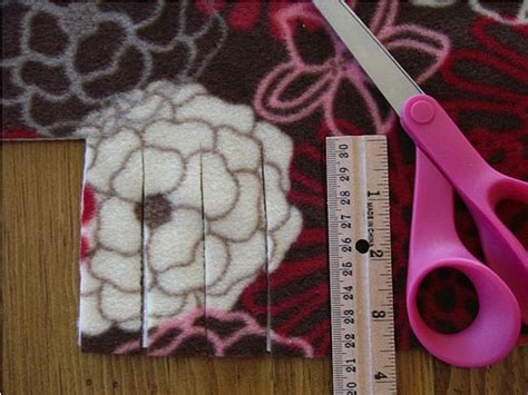 How to Make a No-Sew Blanket to Keep Warm this Winter