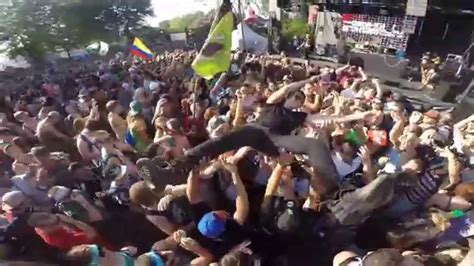 Crowd Surfing Epic Fail - YouTube